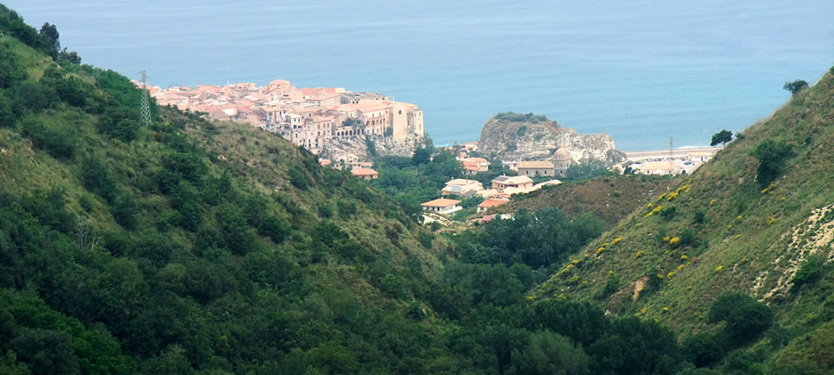 A view of Tropea from the mountains<br>Tropea (VV), Calabria, Italy